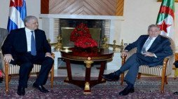 Raul Castro meets with Algerian Prime Minister