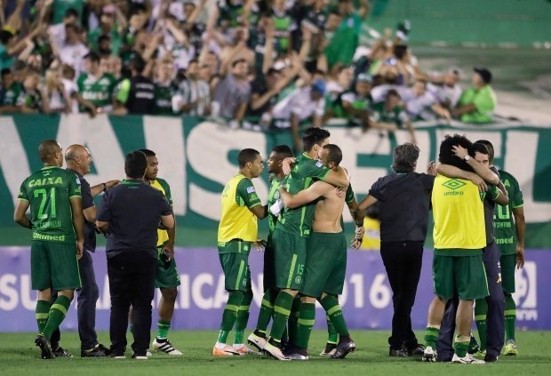 Plane carrying Brazilian soccer club crashes in Colombia