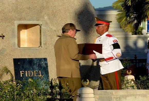 Fidel Castro laid to rest in Santa Ifigenia,Santiago de Cuba, birth place of Cuban Revolution
