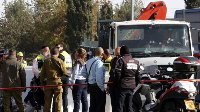 Jerusalem attack: Four dead after lorry driver rams soldiers