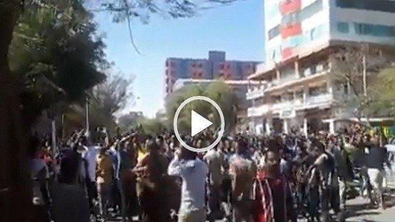 Nazret Qeerroo chanting messages of Ethiopian unity
