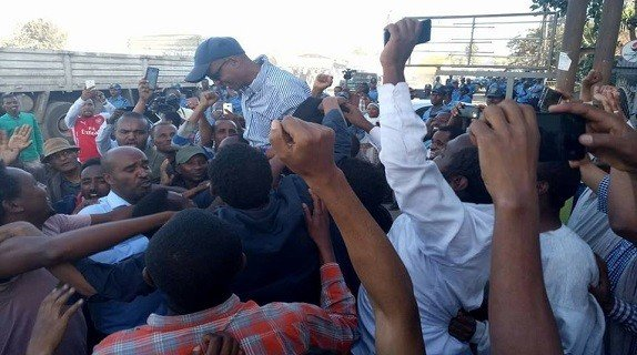 Over 700 political prisoners released including Ahmedin Jebel,Andualem Arage, Eskinder Nega, and Kinfemichael Abebe