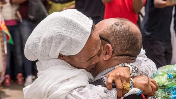 Emotional reunion for Ethiopian-Eritrean families as the state of war ends
